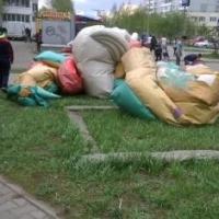 Следователи ищут свидетелей и потерпевших падения батута в Омске