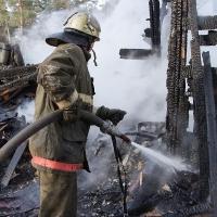 Труп мужчины сильно обгорел на пожаре в Омской области