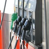 В Омске продолжает дорожать бензин