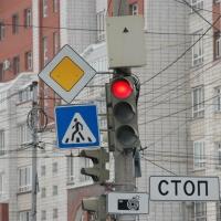 Более 1,7 млн рублей омская мэрия готова отдать за два новых светофора