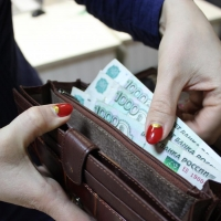 Омские депутаты выделили 2,3 млрд рублей на повышение зарплат бюджетников