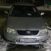 В Калачинске пьяные пассажиры угнали такси, угрожая водителю ножом