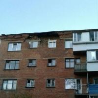 У омской пятиэтажки обвалилась часть стены