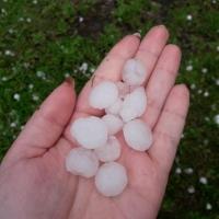 Непогода принесла жителям севера Омской области град