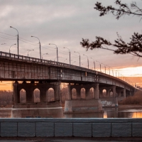 Иртыш открывает опоры Ленинградского моста в Омске