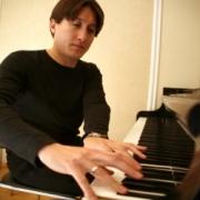 В Омске впервые выступит пианист-виртуоз Фредерик Кемпф