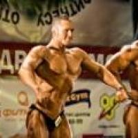 Мускулы Александра Колясникова вновь победили на чемпионате в Омске