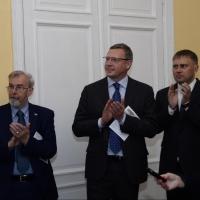 Бурков открыл выставку одной картины