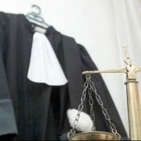 Судья Омской области скрылась от коллег, которые хотели ее отстранить
