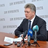 200 омских депутатов скрыли свои доходы за 2016 год