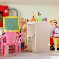 Бывшая сотрудница частного детсада в Омске рассказала о том, как бьют и ругают детей