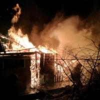 Ночной пожар в центре Омска тушили 15 человек