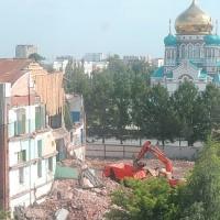 В центре Омска рушат старинное здание