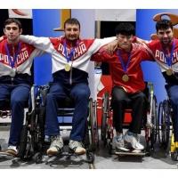 Золотые медали на этапе Кубка мира завоевали омские паралимпийцы по фехтованию