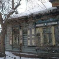 Омичка просит помочь отстоять столетний дом, который хотят снести