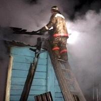 В полностью сгоревшем доме в Омской области нашли останки хозяина