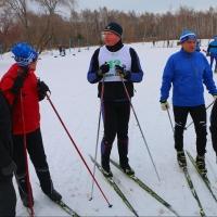 Бурков потребовал сделать бесплатным выход на лыжню для омских пенсионеров