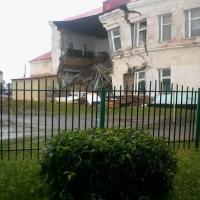 По требованию прокуратуры в Омской области отремонтируют три школы