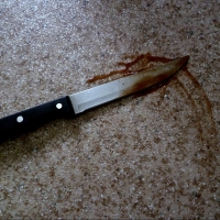 Омский пенсионер напоролся на свой нож