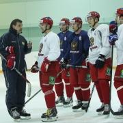 """Нападающие """"Авангарда"""" готовятся к матчам против сборной Словакии"""