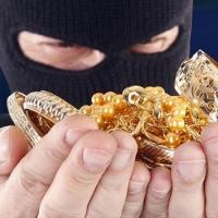 В Ракитянке Омского района раскрыта кража золотых украшений