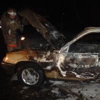 ВнедорожникBMW X5 загорелся в элитном районе Омска