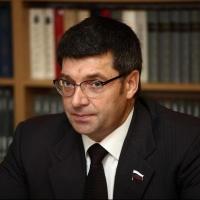 Денисенко представил своих кандидатов в сенаторы
