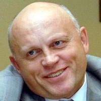 Губернатор Омской области стал более открыт