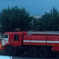 В Омске огонь уничтожил автокран