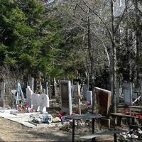 Работник омского кладбища пойдет под суд за кражу