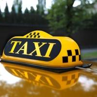 Пьяный пассажир угрожал таксисту-женщине