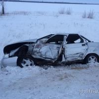 Водитель ВАЗа погиб на месте аварии в Омской области