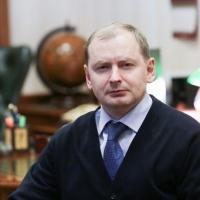 Директор и некоторые педагоги омской гимназии должны уволиться, считает Компанейщиков