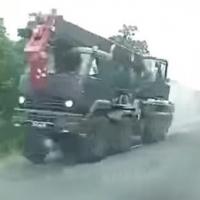 В Омской области военный КамАЗ чуть не раздавил легковушку с целой семьей