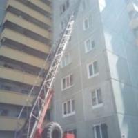 Пожарные спасли 7 детей из омской многоэтажки
