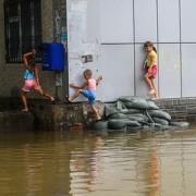 Сбербанк организовал сбор средств в помощь пострадавшим от наводнения на Дальнем Востоке