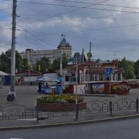 Омские депутаты предложили убрать кафе «Елки-Палки» с площади перед «Маяковским»