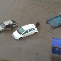 Из-за ливня улицы Омска ушли под воду (фото и видео)
