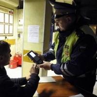 В Омске пьяный водитель после задержания требовал дежурного адвоката