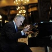Пианист Ричард Кэмерон-Вульф презентует в Омске уникальную концертную программу