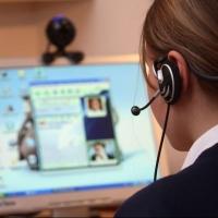 Повышать уровень знаний учащихся Омской области будут по скайпу