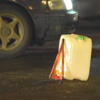 В Центре Омска в результате столкновения с припаркованным автомобилем скончался водитель«ЗИЛа»