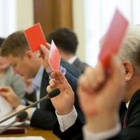 В Омской области прокуратура лишила статусов двух депутатов