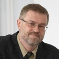 Директор лишенного аккредитации ИМЭК ушел в отставку