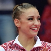 Омская гимнастка Евгения Канаева родила первенца