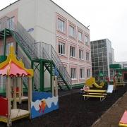 Омские власти просят у Москвы 113 миллионов на школу и детский сад