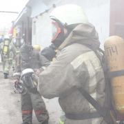 В Омске загорелся склад