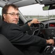 """Омский министр спорта покажет, как гонять на """"восьмёрке"""""""