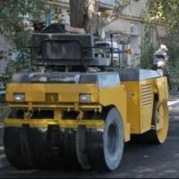 В Омске владельцы авто мешают ремонту своих дворов
