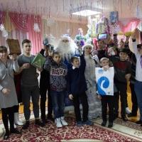 Сотрудники «Ростелекома» поздравили детей с Новым Годом в Омском регионе